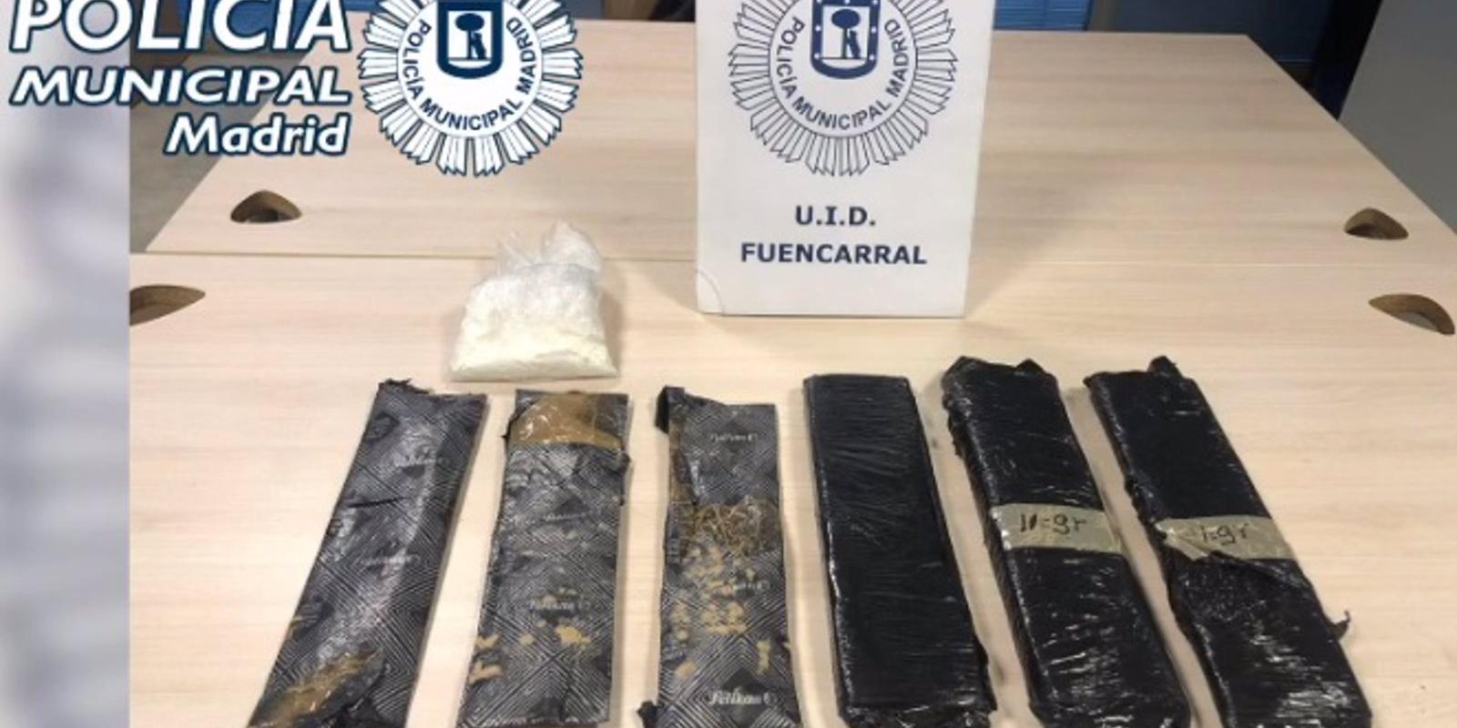 Dos detenidos por llevar cuatro kilos de cocaína escondidos en dos bolsas de pañales en Fuencarral-El Pardo
