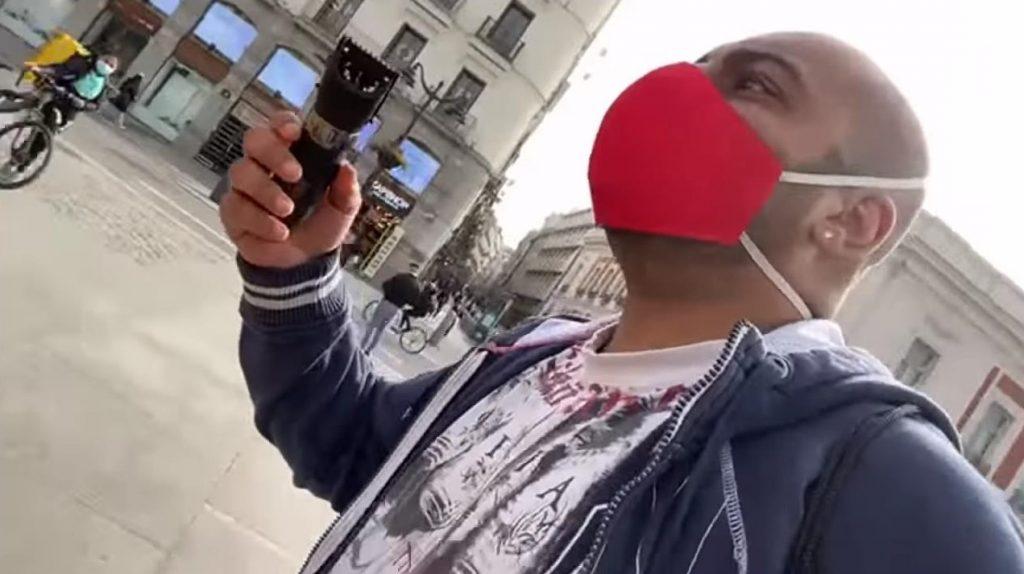 Detienen al youtuber Borja Escalona por herir a una mujer con una afeitadora en Sol