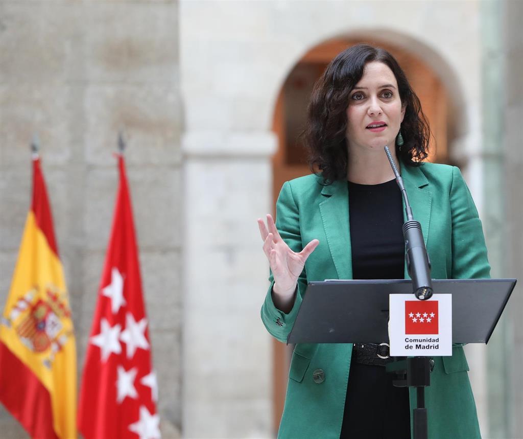 """Ayuso condena el """"terror callejero"""" en Cataluña: """"Pedimos al Gobierno firmeza y que se visibilice"""""""