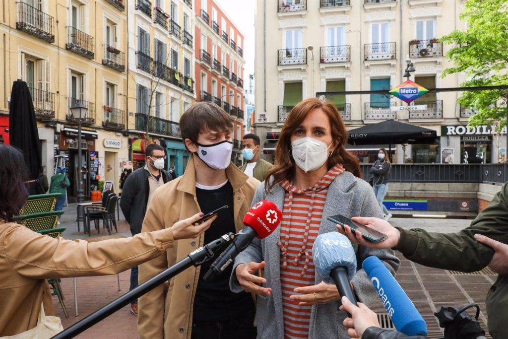 """Mónica García propone un plan para atender a """"una juventud con más ansiolíticos que futuro"""""""