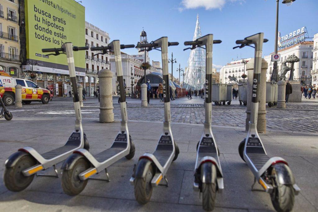 Justicia es el barrio con más multas por estacionar patinetes, bicis y motos en lugares indebidos