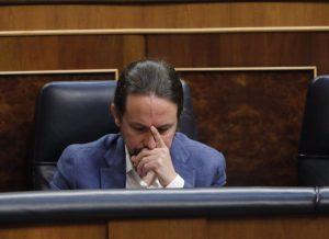 """Iglesias acusa a """"muchos medios"""" de """"blanquear el racismo, el machismo y el odio"""""""