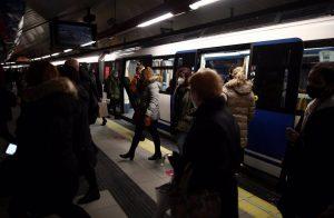 El Metro de Madrid y la EMT registraron casi un 50% menos de usuarios en febrero