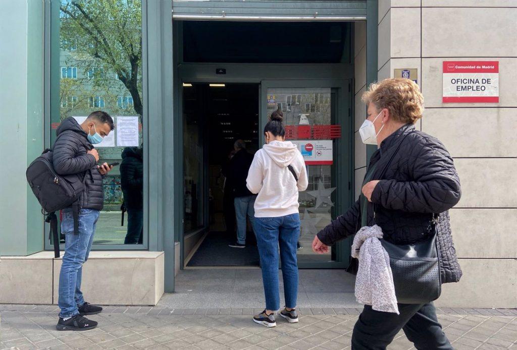 Madrid registró la mayor caída del paro hasta marzo y lidera en creación de empleo en España