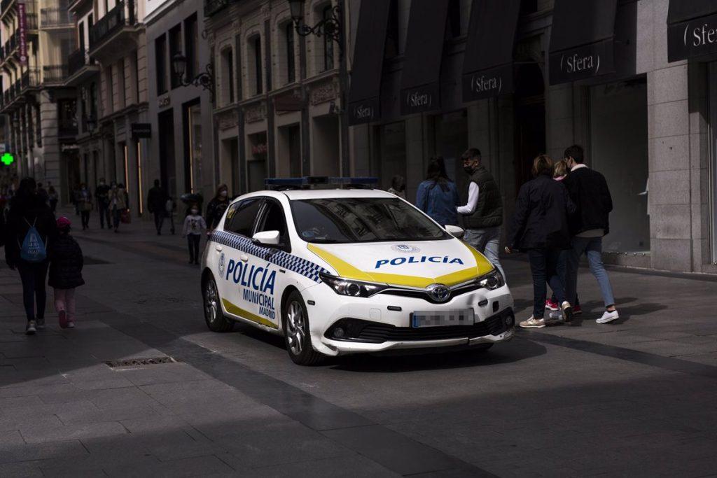 Bajan las intervenciones de la Policía Municipal en pisos y suben las denuncias en la calle después de las 23H
