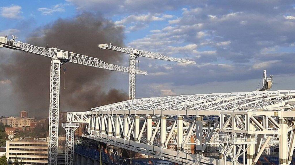 Extinguido un pequeño incendio en el Santiago Bernabéu causado por las obras