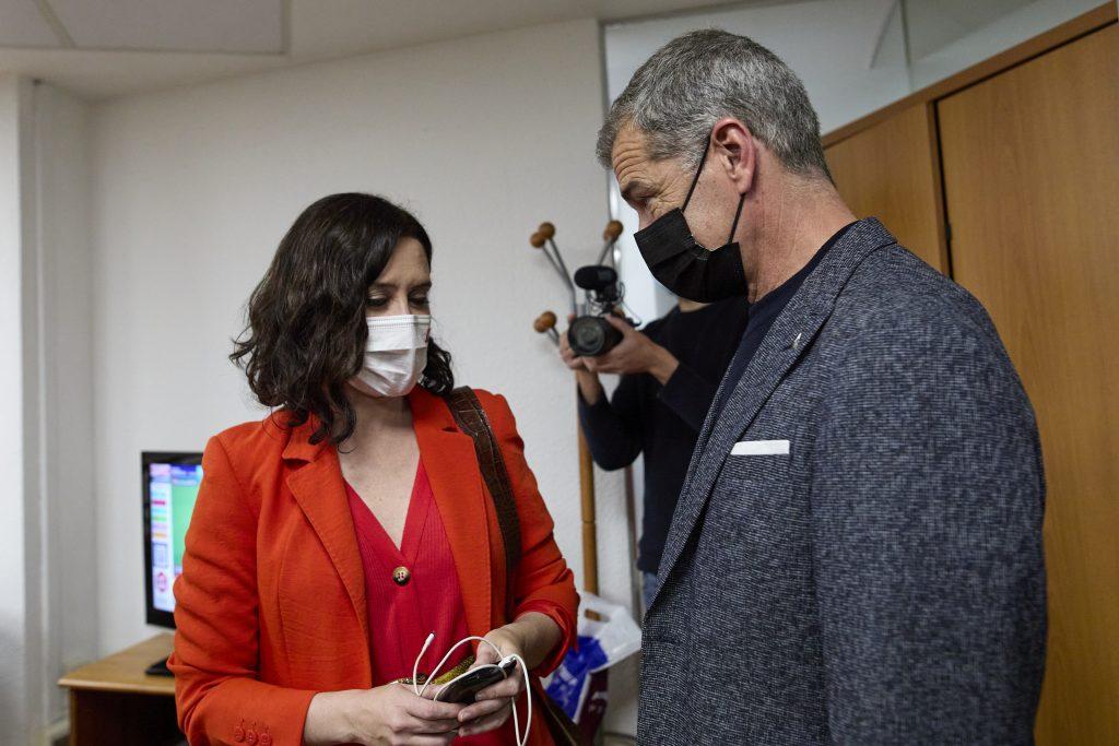 Ayuso sitúa a Toni Cantó al frente de la Oficina del Español, un nuevo departamento de la Comunidad
