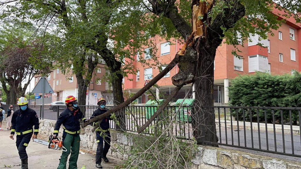 Bomberos realizan 184 intervenciones por tormentas en toda la región, ninguna con heridos