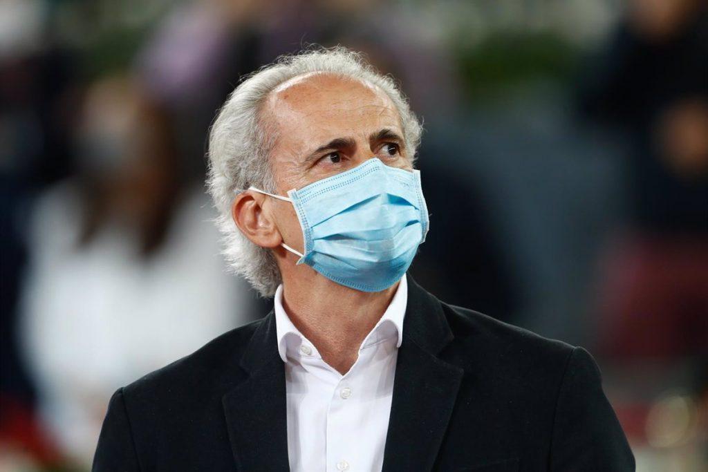 Madrid esperará a tener más población vacunada para dejar atrás la mascarilla en exteriores