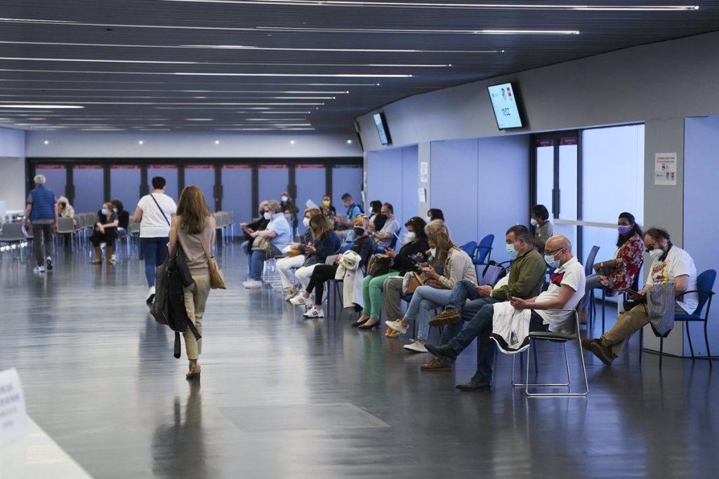 La Comunidad de Madrid amplía la autocita para vacunarse a las personas de 38 y 39 años