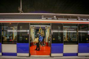 Metro homenajeará a Ramón y Cajal, Gregorio Marañón y Juan de la Cierva con vinilos en estaciones