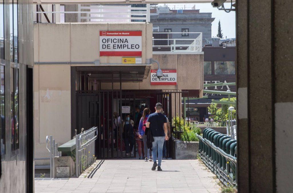 El paro en la Comunidad de Madrid baja en 10.590 personas en mayo, un 2,4% menos