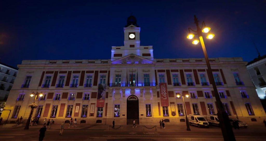 La Real Casa de Correos ilumina de azul su fachada por el Día Nacional del Donante de Órganos