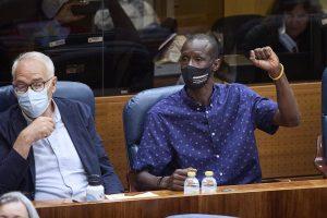 """Monasterio acusó de entrar a España de forma ilegal a Mbayé, quien lamentó su """"racismo"""""""