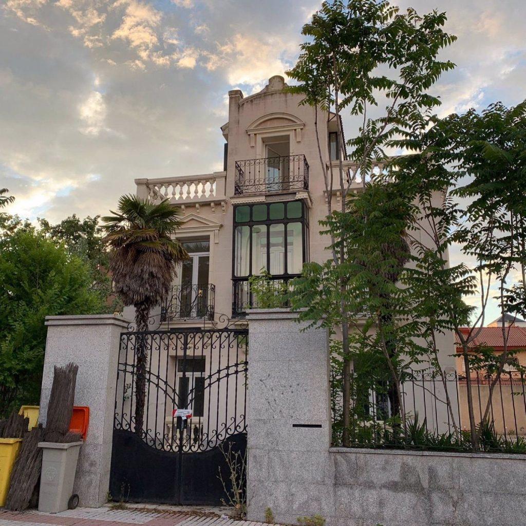 """El Ayuntamiento de Madrid estudia proteger Villa Menchu y Vox advierte de """"la rapidez de la piqueta"""""""