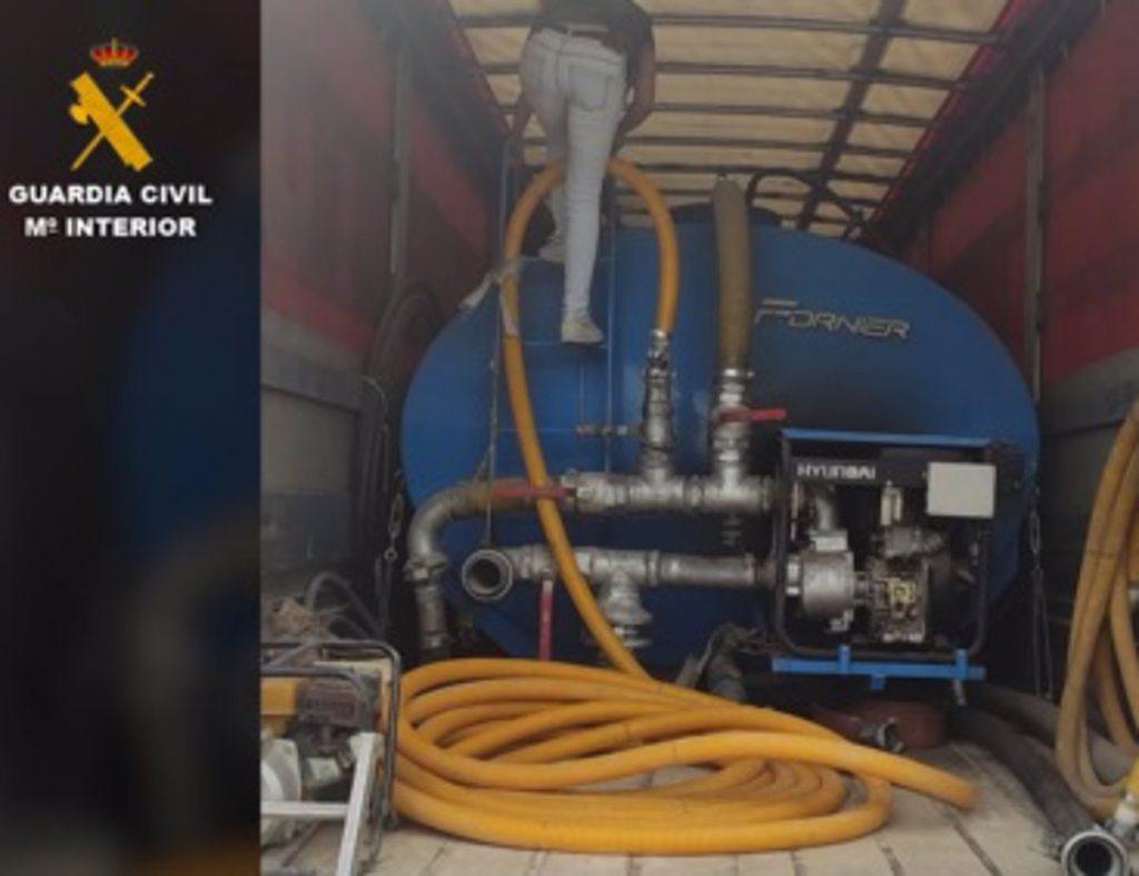 Arrestado un camionero que robaba agua en Vicálvaro y otras zonas industriales para luego venderla