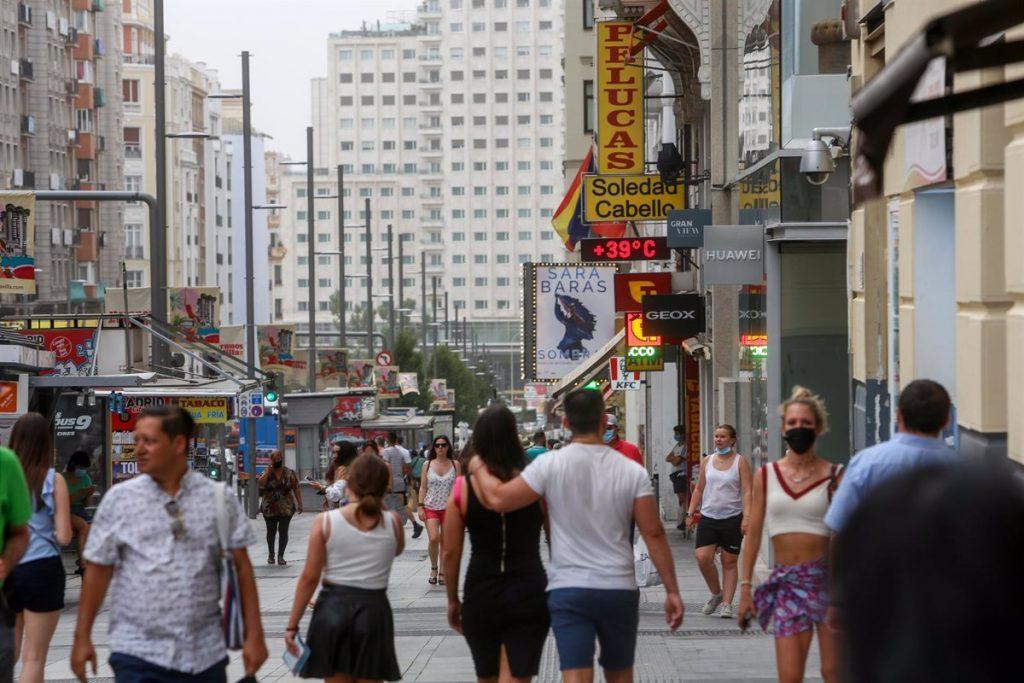La Consejería de Sanidad dirigida por Enrique Ruiz Escudero mantiene este lunes la alerta nivel dos por el pronóstico de altas temperaturas, las cuales pueden superar los 36,6ºC.
