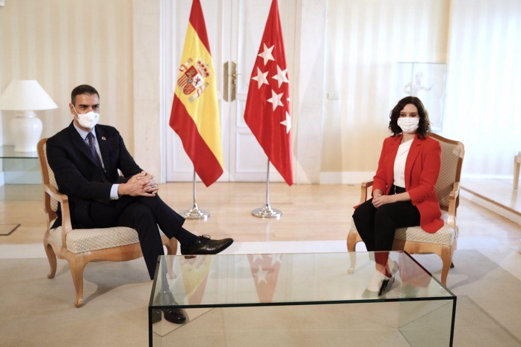 Sánchez recibe a Ayuso en La Moncloa por primera vez desde las elecciones del 4M