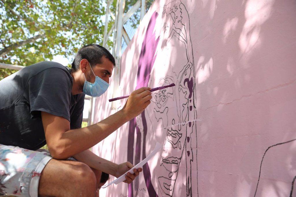 El mural feminista de Ciudad Lineal estará repuesto este fin de semana con un barniz antivandalización