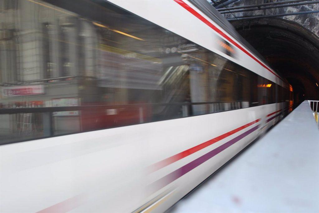Reabren las estaciones de Cercanías de Recoletos y Orcasitas tras obras de modernización durante el verano