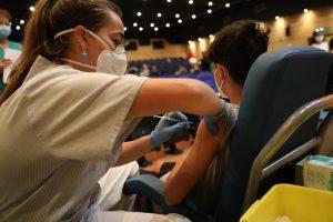 Los alumnos madrileños vacunados o que hayan pasado Covid hace seis meses no tendrán que hacer cuarentena