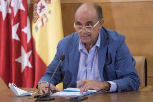 """Zapatero llama a la responsabilidad tras el botellón en Ciudad Universitaria: """"No favorece para nada la situación actual"""""""