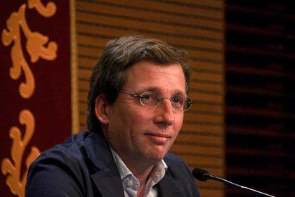 """Almeida no valora la candidatura de Ayuso a presidir el PP de Madrid, que está """"en muy buenas manos ahora"""""""