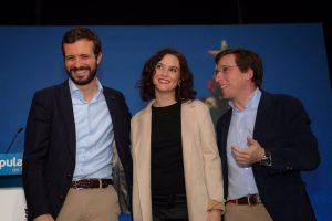 Casado sitúa a Almeida a la par de Ayuso en la carrera para liderar el PP de Madrid