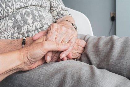 Convocan una concentración a favor de la anciana cuya familia denuncia la okupación de su casa por parte de la cuidadora