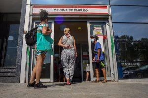 El paro en Madrid sube en 3.526 personas en agosto: 0,85% más y la contratación cae 26,7%
