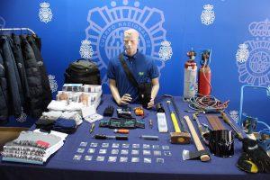 Cae una banda acusada de robar monedas antiguas en dos filatelias y numerosos efectos en varias tiendas