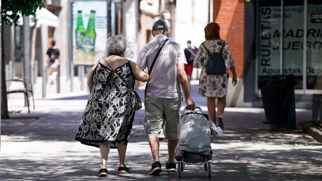 Más del 40% de los madrileños preferiría permanecer en su hogar con ayuda a domicilio en la vejez