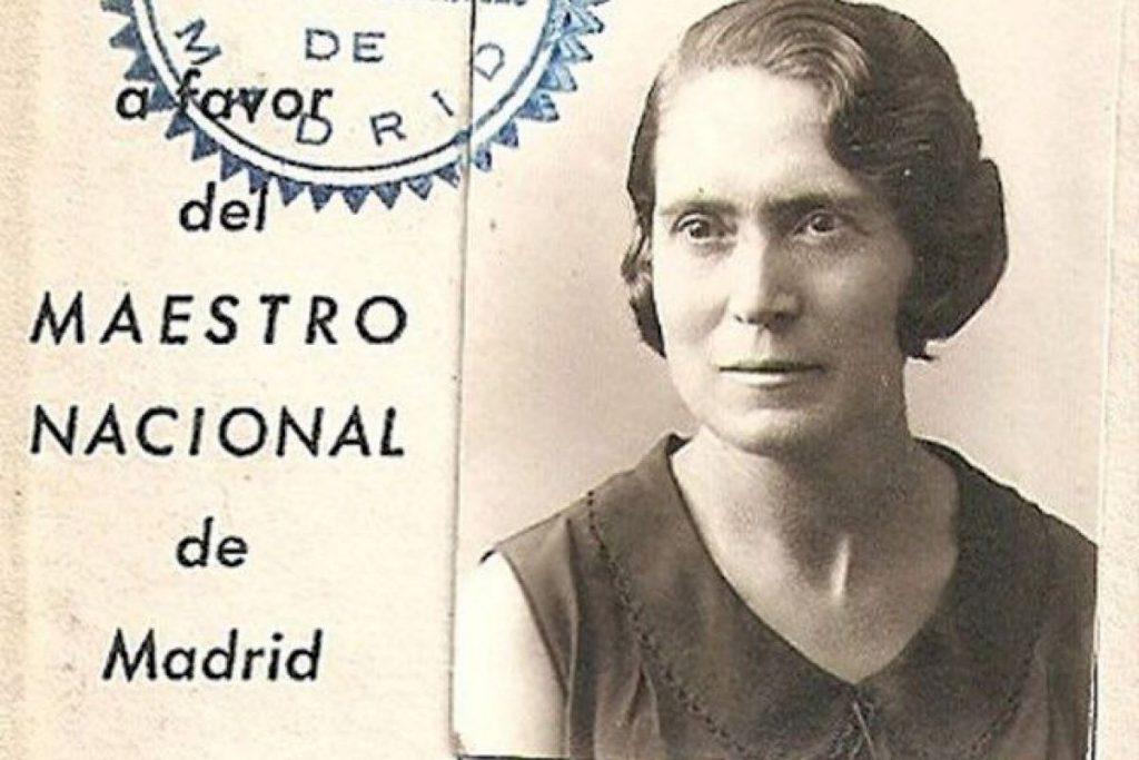 Colectivos se manifiestan este sábado para que el Ayuntamiento recupere el nombre de la calle Maestra Justa Freire